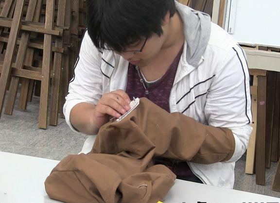 「進撃の巨人」衣装 ~エンブレム入りジャケットからマントまで~ みんなで縫製!