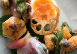 盛り付けも重要! 和食の基本、八寸づくりを学ぶ【レコールバンタンブログ】