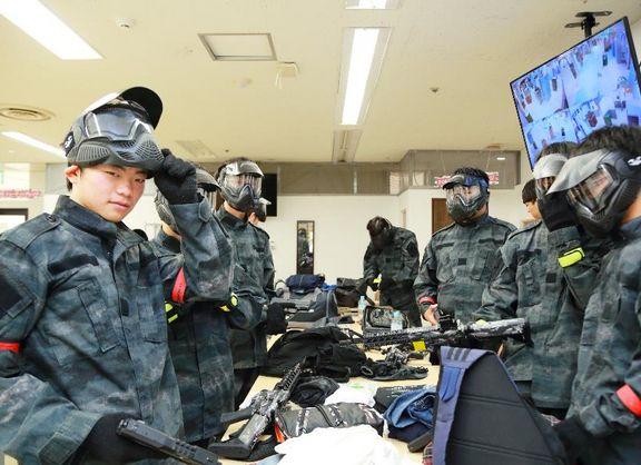 【東京校】在校生が、高校生を狙い撃ち!?緊張感満点のサバゲー大会をレポート!