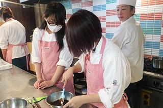 製菓・製パン講座~バレンタインにもオススメ!トリュフチョコレート~【バンタン高等学院 高校 ブログ】