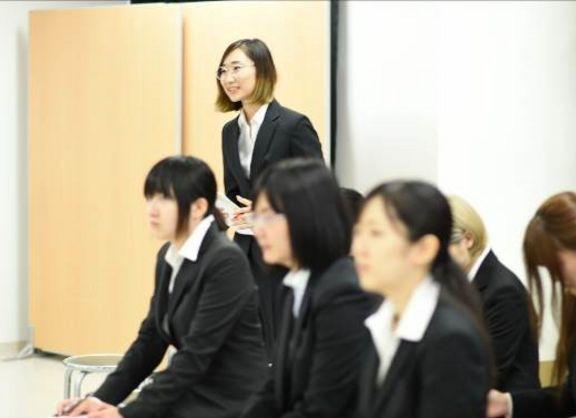 【東京校】いよいよ就職活動!知られざる「グラフィック職」の企業説明会をレポート!