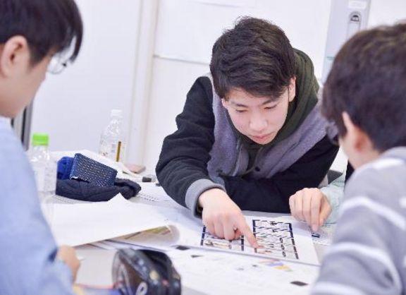 【東京校】目指せ商品化!産学協同プロジェクト・カードゲーム制作プレゼンテーション