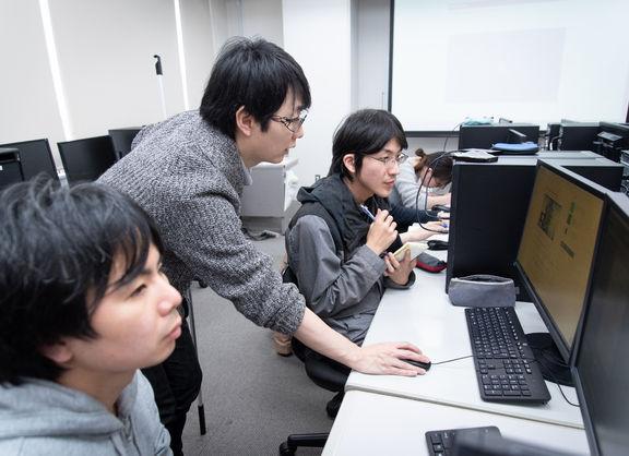 【東京校】「サンタ・カンパニー」を手がけた糸曽講師による怒涛の業界トーク+作品チェック