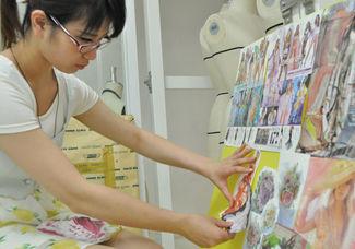 現役のファッションデザイナーに学ぶ!「デザイン」の仕方とは?少人数のプライベートレッスン☆