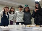 【授業レポート!】故郷の特産品をプレゼン!茶話会(=サワカイ)を行いました!