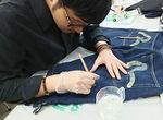 【授業レポート!】Tシャツとデニムを使ったリメイク加工法を紹介!