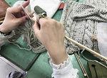 【授業レポート!】ニットを編んでオリジナルアイテムを制作中!